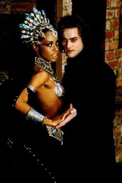 Самые сексуальные вампиры и вампирши